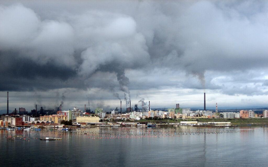 Taranto lockdown wind days